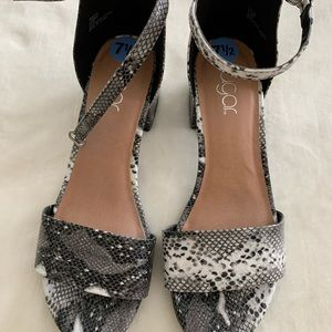 Sugar snake print block heel sandals sz 7.5